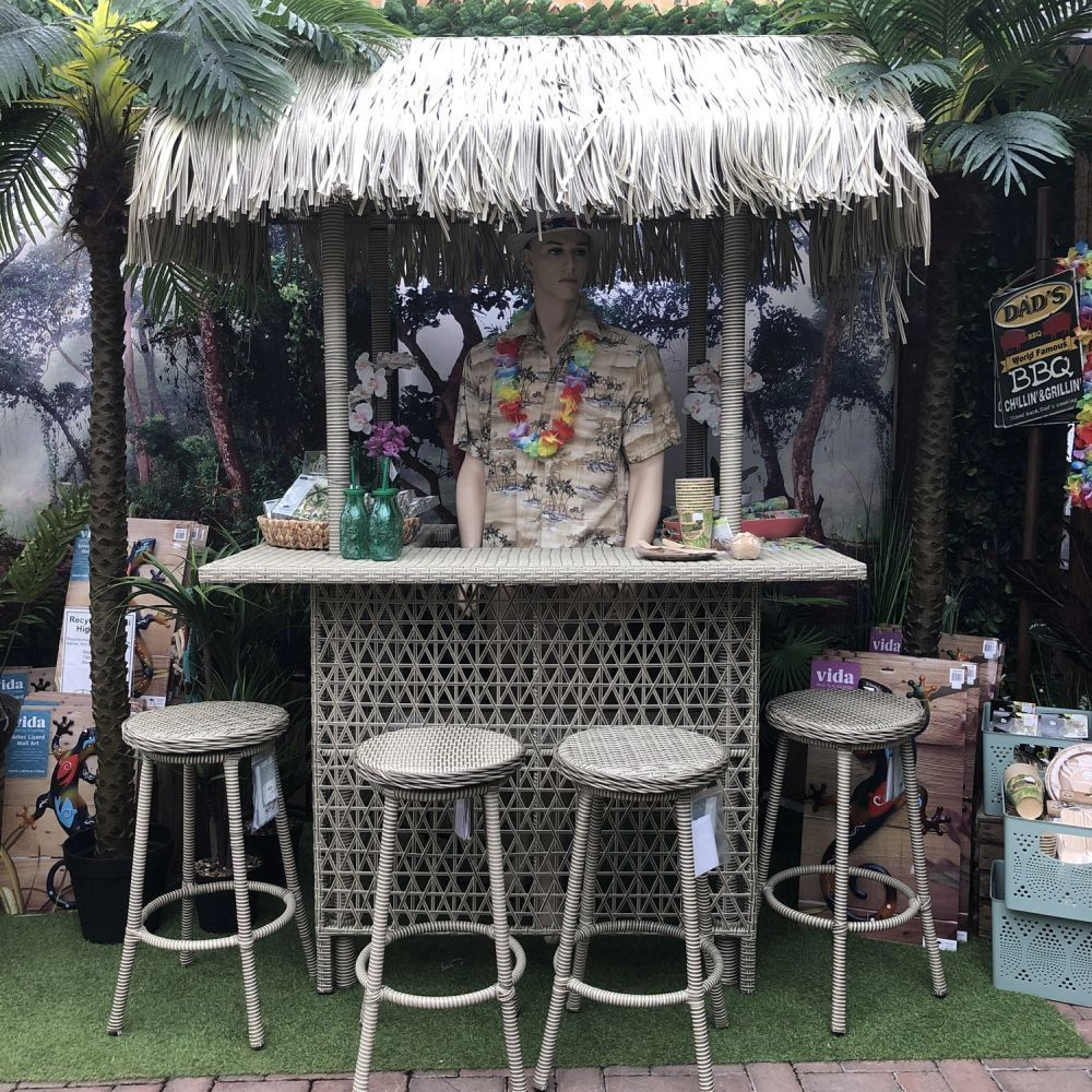 Bonaire Outdoor Bar with 4 Bar Stools