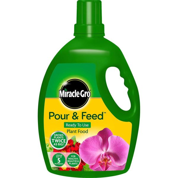 Miracle-Gro 3 Litre Pour and Feed Plant Food - Plant Feeds
